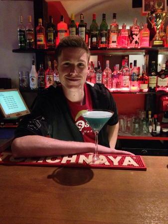 The Saints Bar : Tomas the barman and his Blue Bay cocktail