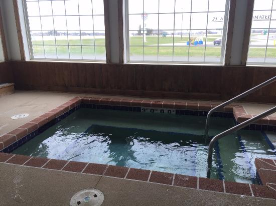 Mineral Point, WI: Hot tub