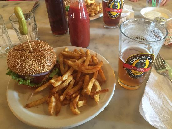 Mineral Point, WI: Brewery creek burger with fries and good beer