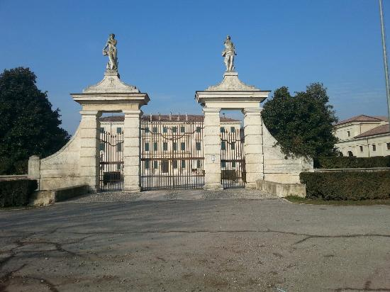 Isola della Scala, Italia: Villa Pindemonte