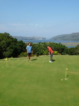 Villa Mulligan: golf putting green with a view for the guests