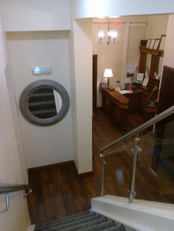 Round Tower Hotel: Stairwell