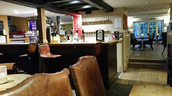 Shipton under Wychwood, UK: 20160410_194948_large.jpg