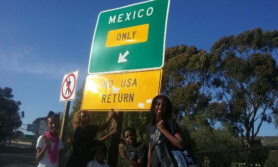 Motel 6 San Ysidro- San Diego- Border: 20160404_170910_large.jpg