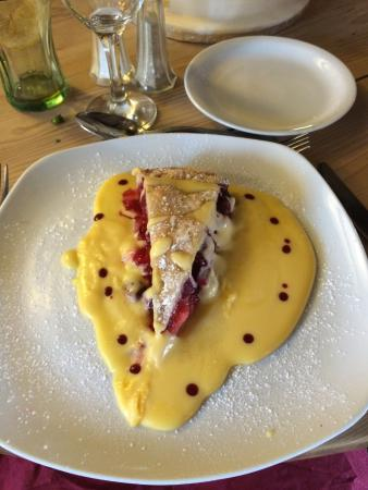 East Langton, UK : Apple and blackberry pie and custard - very good