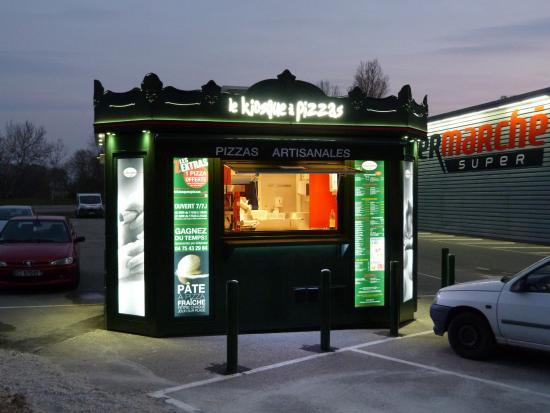 pizza royale photo de le kiosque pizzas la voulte sur rhone tripadvisor. Black Bedroom Furniture Sets. Home Design Ideas