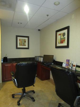 San Dimas, Kalifornien: business center