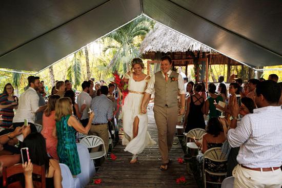 بونتا جوردا, بليز: Room for over 100 guests on the grounds at gazeebo
