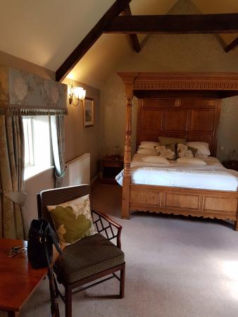 four poster bedroom at the hop pole hotel ollerton picture of the rh tripadvisor com