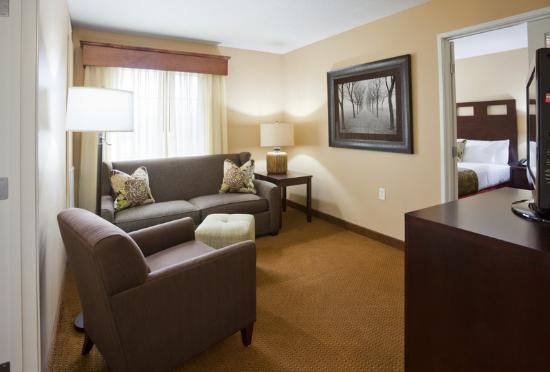 GrandStay Hotel & Suites La Crosse: Two Bedroom Suite