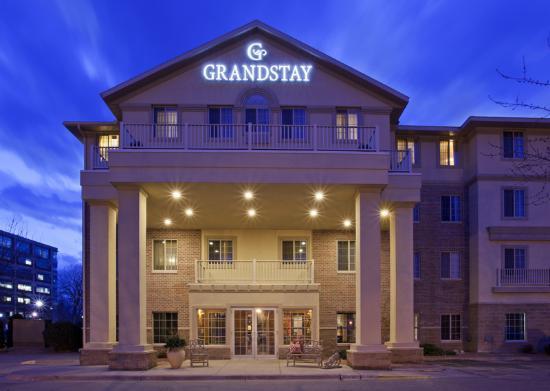 GrandStay Hotel & Suites La Crosse: Exterior