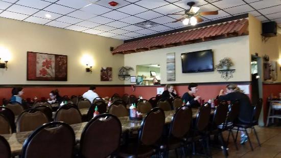 Pho Hau Restaurant 2: Interior
