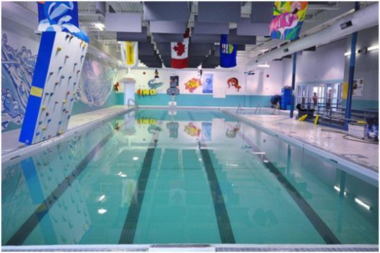 High Level, Canada: RE Walter Memorial Aquatic Centre