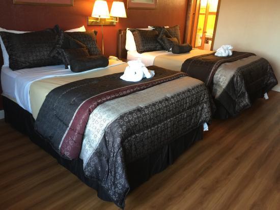 Americas Best Value Inn & Suites : 2 Double Beds