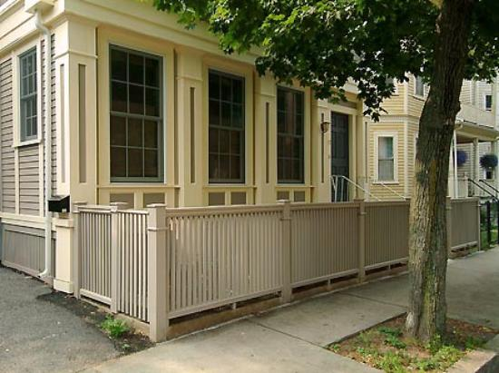Cambridge Vacation Rental Rooms: Exterior