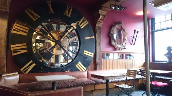 سانت كريستوفرز إن باوهاوس بادجيت هوتل - هوستل: Bar area