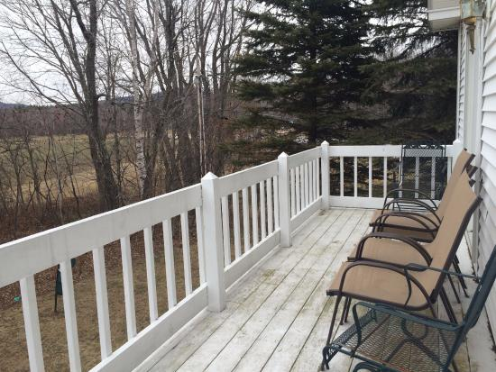 Eastern Slope Inn: deck