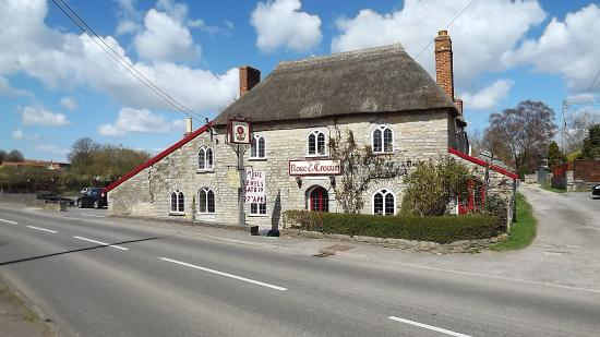 Langport, UK: The Rose and Crown at Huish Episcopi, Somerset has been an inn since built in the mid 17th centu