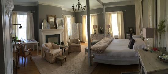 Review: BENTLEY KINSTON'S BED & BREAKFAST INN - (NC) - TripAdvisor