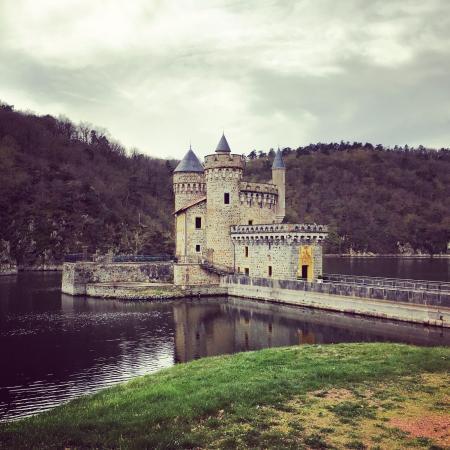 Ambierle, Frankrike: Chateau De La Roche