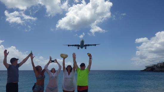 Beachside Villas: Aviation watching at its best - Maho Beach