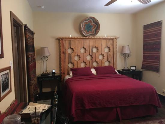 La Posada Hotel: Standard Room with King size bed