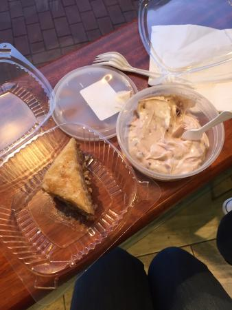 Alba's Mediterranean Market and Bakery