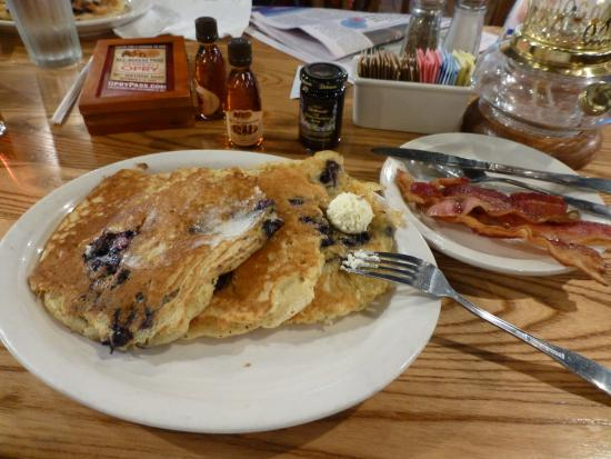 Cracker Barrel: Blueberry Pancakes with extra bacon