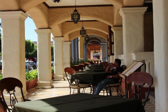 Hotel Alhambra Photo