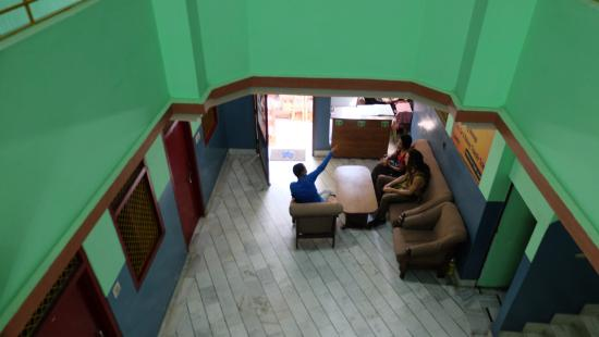 Sankatha Guest House: from 2nd floor look at the receptionist