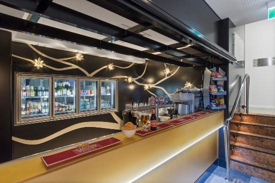 Metro Hotel Perth : Lobby bar