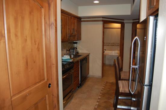 Sedona Summit Resort  Kitchen of 1 bedroom Sunset Mesa suite. Kitchen of 1 bedroom Sunset Mesa suite   Picture of Sedona Summit