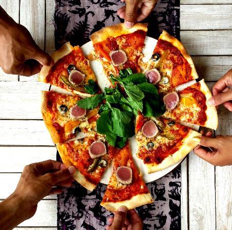 Safka Restaurant & Terrace: Yummy Home-Made Pizzas