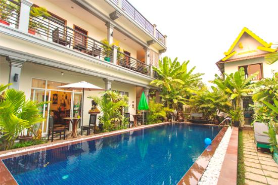 Asanak D'Angkor Boutique Hotel : Pool at Day Time