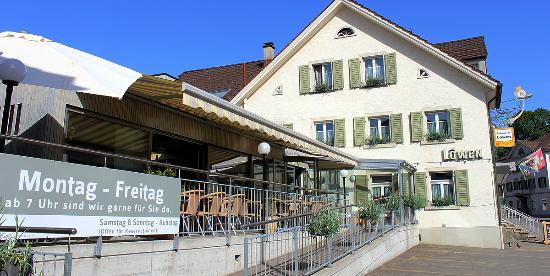 Ebnat-Kappel, Swiss: Restaurant mit Sonnenterrasse