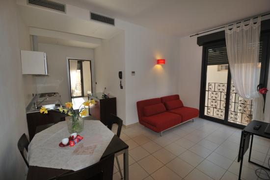 Soggiorno Appartamento Residence Domus - Foto di Domus Residence ...