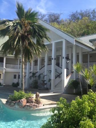 Malolo Island Resort: Malolo main building