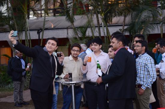 Vivanta by Taj - M G Road, Bangalore: Happy Hours