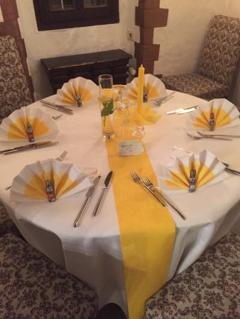 Schlossgass 16: Weihnachts Und Oster Tisch Deko