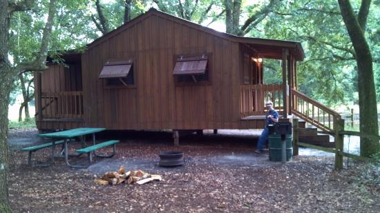 Withlacoochee River Park: Primitive Cabin with Electric