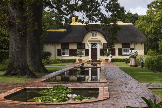 Somerset West, Afrique du Sud : The reflecting pool at Vergelegen