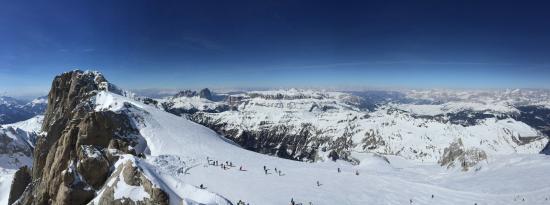 Sci e Snowboard Canazei Marmolada: FROM THE GLACIER