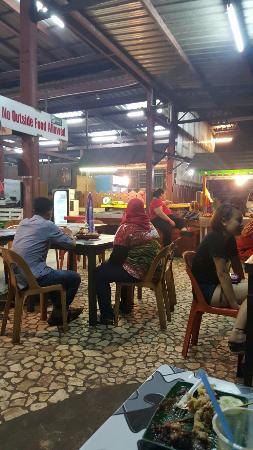 Tanjung Aru Seafood Restaurant: 20160408_195349_large.jpg