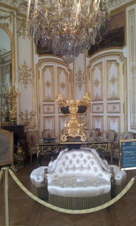 Risultati immagini per chateau de chantilly interieur