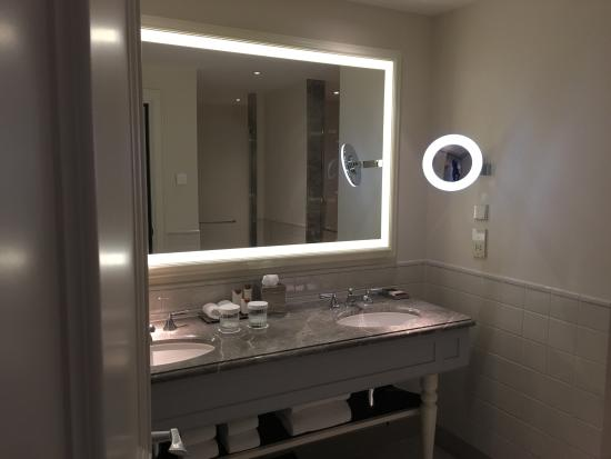 Badkamer - Picture of Waldorf Astoria Amsterdam, Amsterdam - TripAdvisor