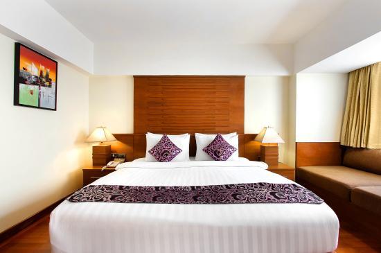 43502dcb43e2 very nice hotel staff