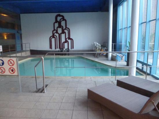 Wepion, Bélgica: La piscine...