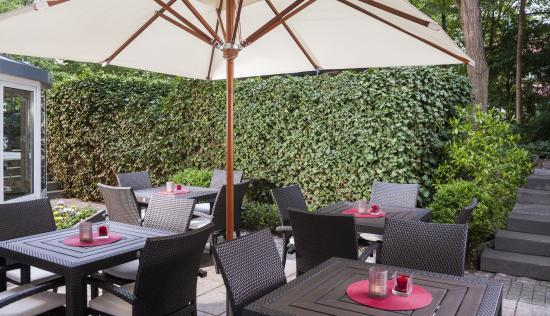 NH Frankfurt Villa: Terrace
