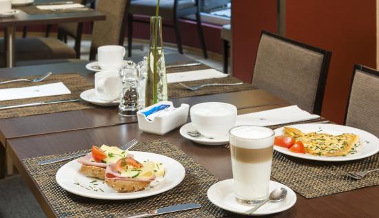 NH Frankfurt Villa: Breakfast Restaurant