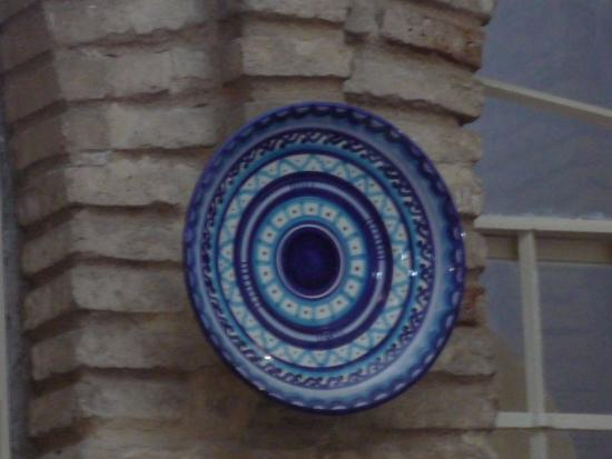 Taberna Los Palcos: nice pottery well displayed